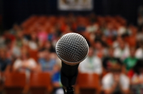 public_speaking_microphone_auditorium